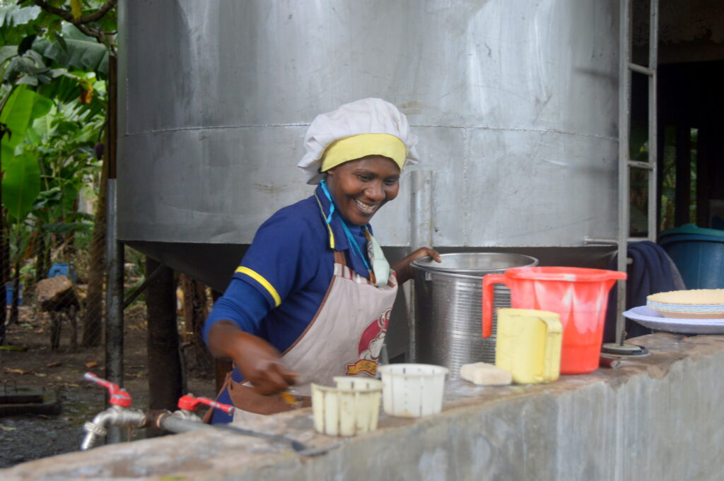 Since Arise School first opened its doors, Atuvonikisie (Atu), has been serving healthy and nutritious meals to pupils and staff alike in her role as cook.   We well remember seeing Atu at work in those early days.  At one point, she was making porridge every day on an open wood fire for the 88 children then in the school, not an easy task, especially in the rainy season!